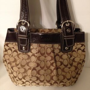 Coach signature c and patent leather brown bag